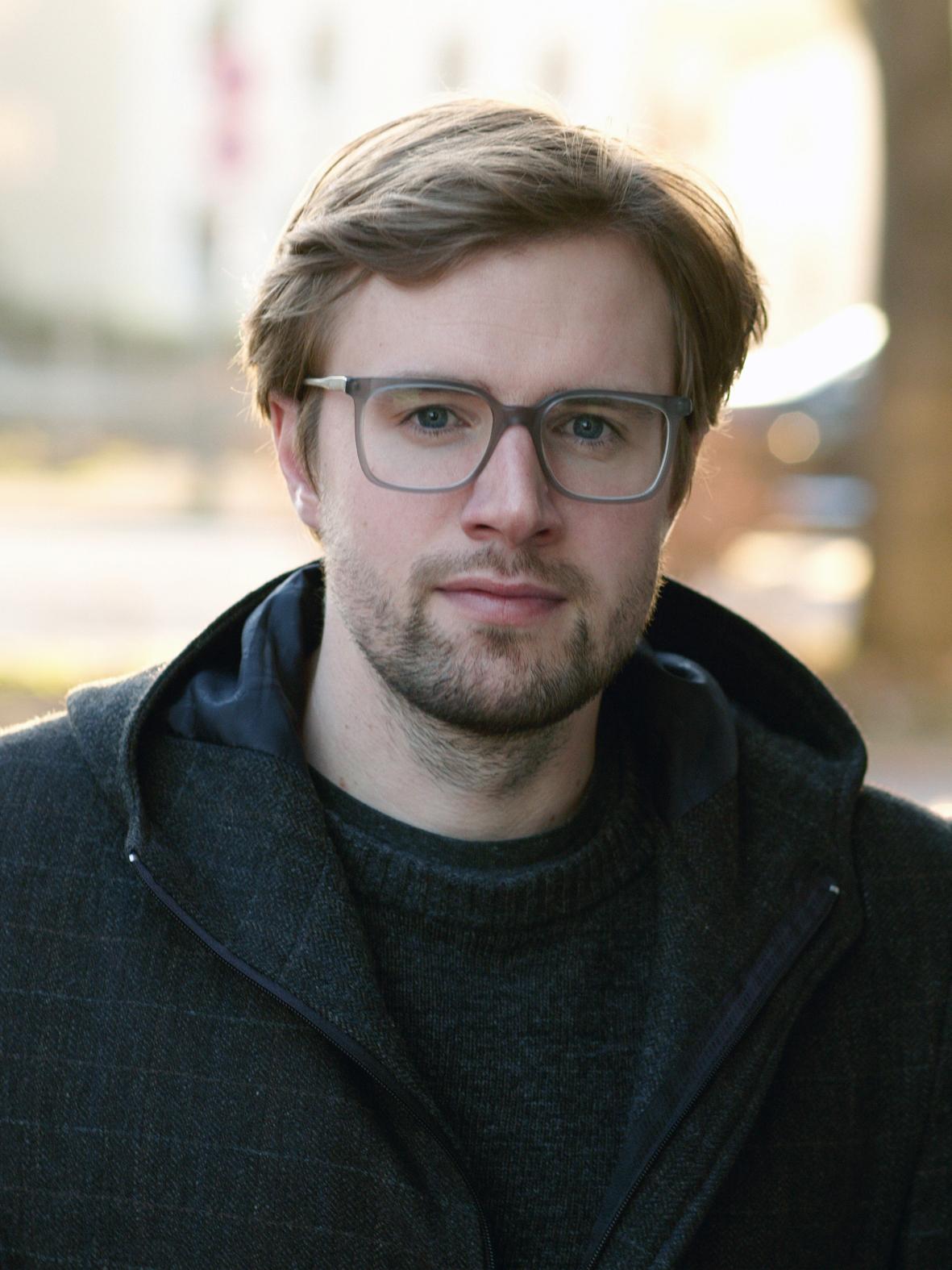 Oliver Schau